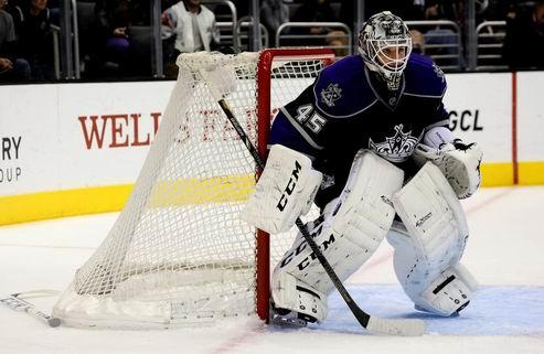 НХЛ. Торонто: двухлетний контракт Бернье