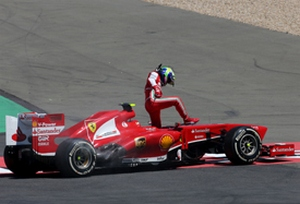 Формула-1. Масса взял на себя вину за сход