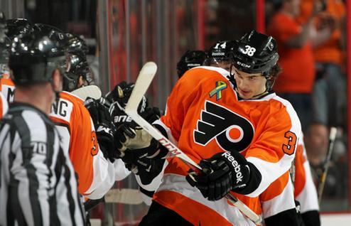 НХЛ. Филадельфия сохранила защитника