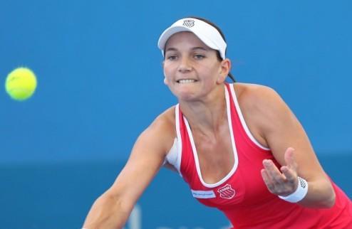 Будапешт (WTA). Схееперс в четвертьфинале, победы Пир и Ковинич