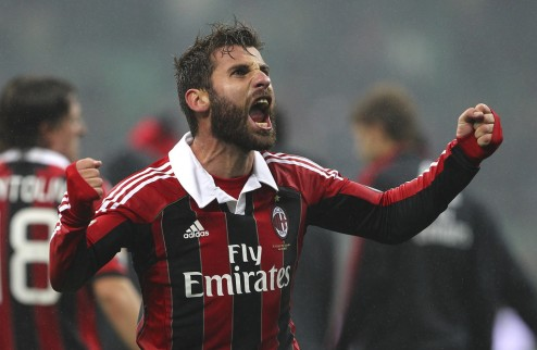 Агент Ночерино шантажирует Милан переходом в Интер