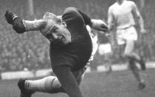 Умер легендарный вратарь Манчестер Сити