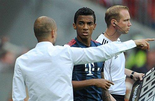 Вольфсбург может дать больше Арсенала за Луиса Густаво