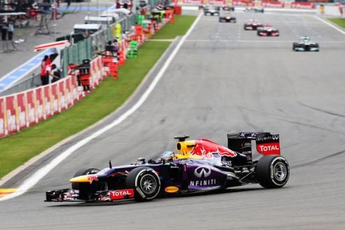 Формула-1. Гран-при Бельгии. Победа Феттеля, сход Райкконена