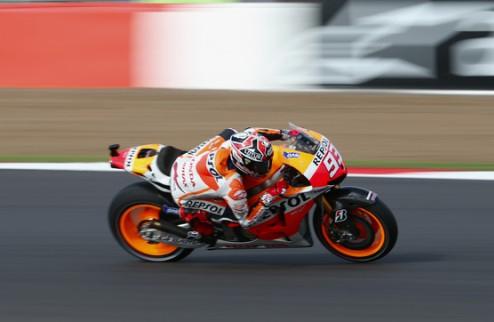 MotoGP. Гран-при Великобритании. Маркес отбирает поул у Лоренсо