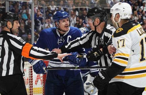 НХЛ. Фанеф хотел бы остаться в Торонто
