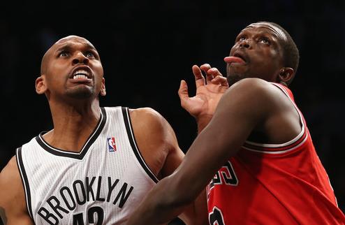 НБА. Денг и Чикаго не могут договориться