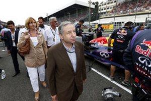 ФИА возьмет под контроль сокращение расходов в Формуле-1
