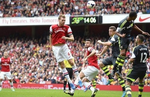 Арсенал вырывается на первое место