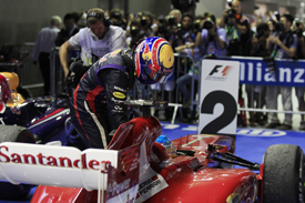 "Формула-1. Хэмилтон ""шокирован"" поступком Уэббера и Алонсо"