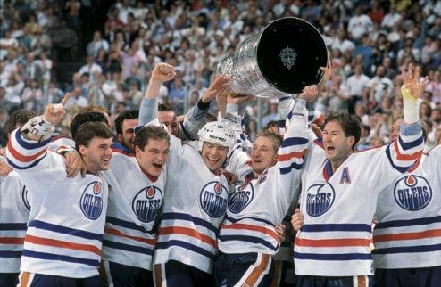 НХЛ. Мессье возвращается в систему Эдмонтона