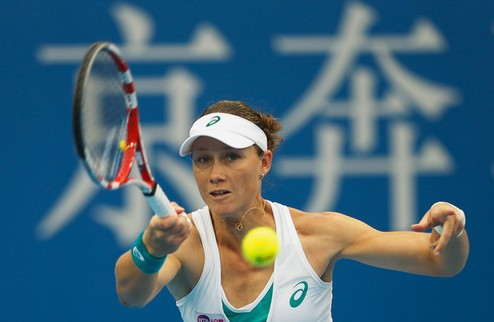 Осака (WTA). Уверенные победы Стосур и Бушар, неудача Пюиг