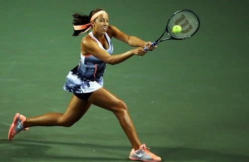 Осака (WTA). Трудовые виктории Бушар и Стосур