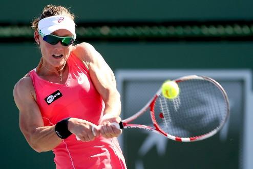 Осака (WTA). Cтосур разыграет титул с Бушар