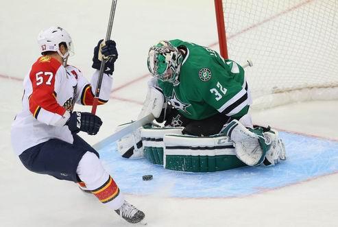 НХЛ. Даллас остался без Лехтонена