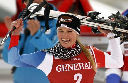 Горные лыжи. Лара Гут побеждает в Зёльдене