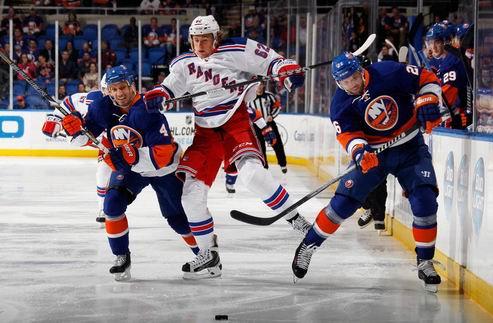 НХЛ. Битва за Нью-Йорк, хет-трик Тэйвза, успех Нью-Джерси и Сент-Луиса