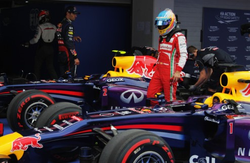 Формула-1. В 2007 году Алонсо отказался переходить в Ред Булл