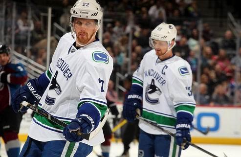 НХЛ. Ванкувер: братья Седины подписали новые контракты