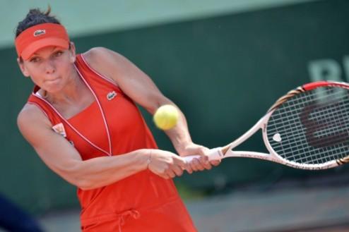 София (WTA). Халеп и Стосур в финале