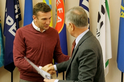 Шевченко получил тренерский диплом