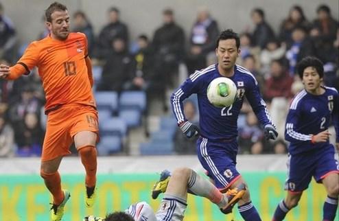 ТМ. Нидерланды упустили победу в Японии, Испания одолела Экв.Гвинею
