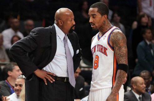 """НБА. Вудсон: """"Не понимаю, что имел в виду Смит"""""""