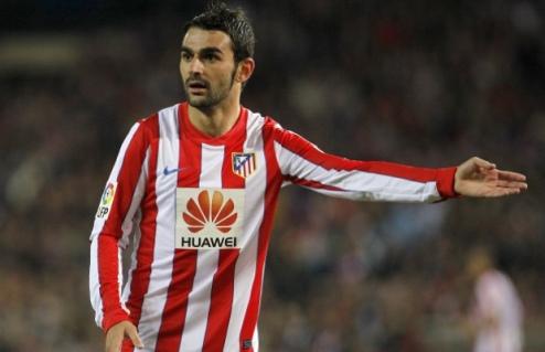 Адриан продлил контракт с Атлетико