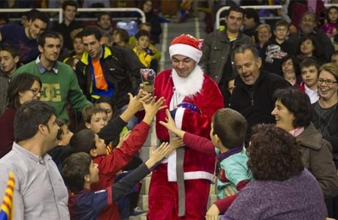 Футзал. Душевное и остроумное рождественское поздравление Барселоны. ВИДЕО