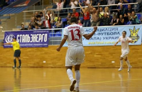 Футзал. Локомотив открывает год победой
