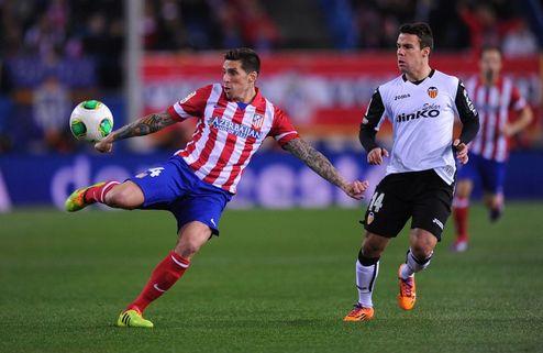 Атлетико и Расинг — в четвертьфинале Кубка Испании
