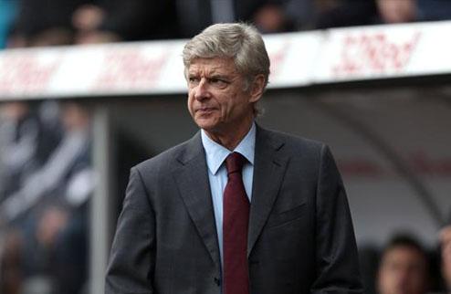 Арсенал хочет продлить Санья и Мертезакера