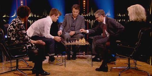 Шахматы. Магнус Карлсен поставил мат Биллу Гейтсу за 11 секунд. ВИДЕО