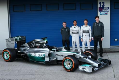 Формула-1. Мерседес: автомобиль представлен публике