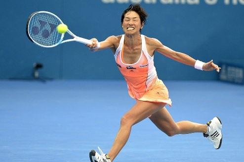 Паттайя (WTA). Датэ-Крумм, Пенг и Веснина проходят дальше