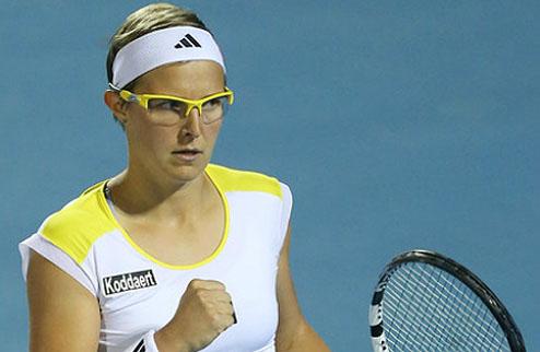Париж (WTA). Флипкенс и Эррани выходят в четвертьфинал