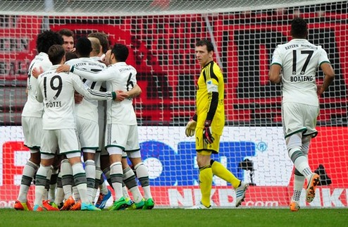 Бавария и Дортмунд не заметили соперников