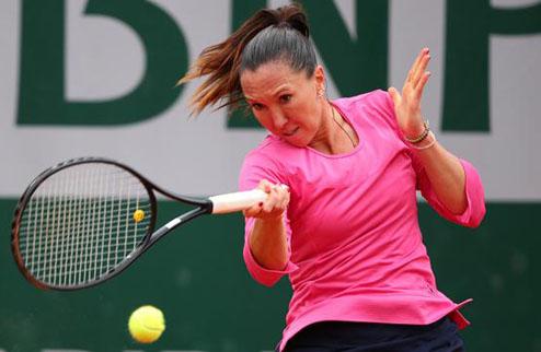 Дубай (WTA). Сенсационные вылеты Эррани и Квитовой, победа Янкович