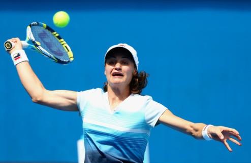 Флорианополис (WTA). Никулеску и Cуарес-Наварро вышли в четвертьфинал