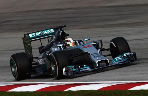 Формула-1. Гран-при Малайзии. Спокойная победа Хэмилтона