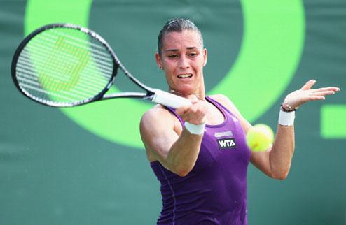 Монтеррей (WTA). Младенович и Морита побеждают, сенсационные вылеты Пеннетты и Мугурусы