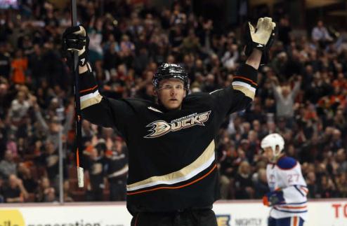 НХЛ. Перри — первая звезда дня