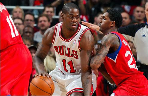 НБА. Чикаго подписал Брюэра