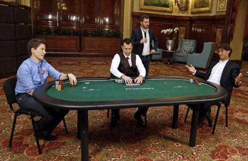 Надаль сыграл благотворительный матч в покер
