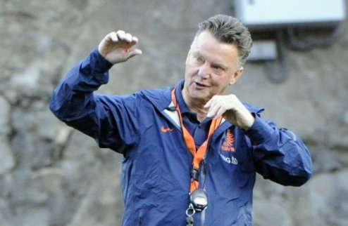 Ван Гаал может подписать контракт с МЮ на этой неделе
