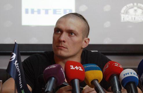 Усик: выходить в ринг против Кличко еще рано