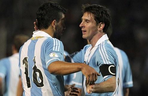 Месси попросил Барселону купить Агуэро