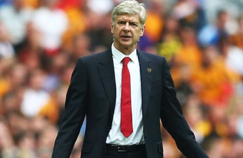 Венгер пообещал остаться в Арсенале