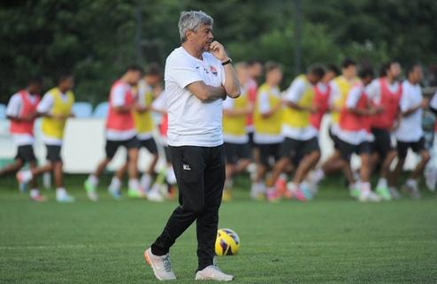 Луческу хочет сыграть  с Баварией и Арсеналом