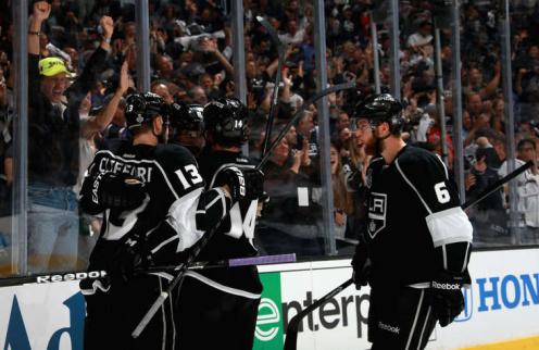 НХЛ. Лос-Анджелес начинает финальную серию с победы